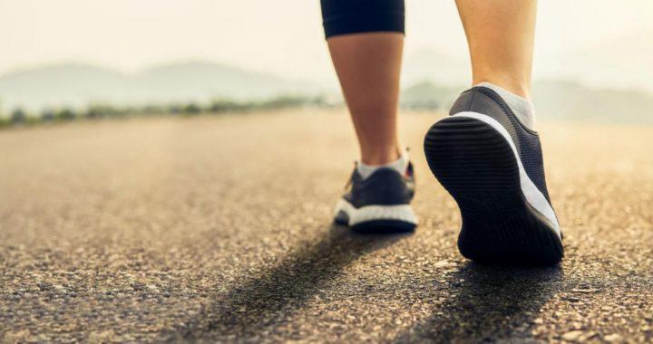 La marche peut-elle vraiment vous aider à perdre du poids?