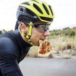 Manger avant une course de vélo