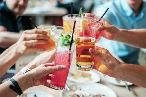 Est-ce que l'alcool fait vraiment grossir ?